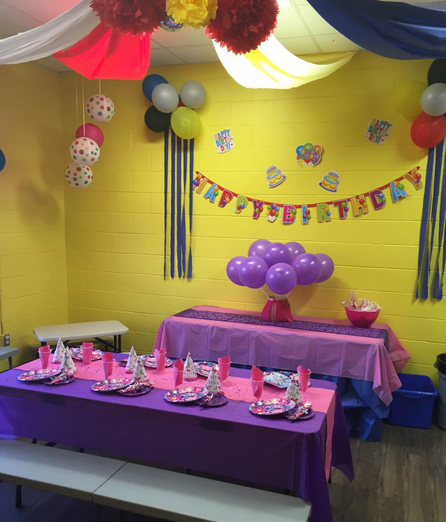 Birthday party room decorations ideas image inspiration for Birthday home decorations