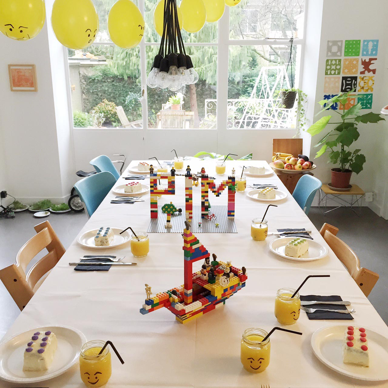 Find the right kids party decorations for your fest home for Home party decorations