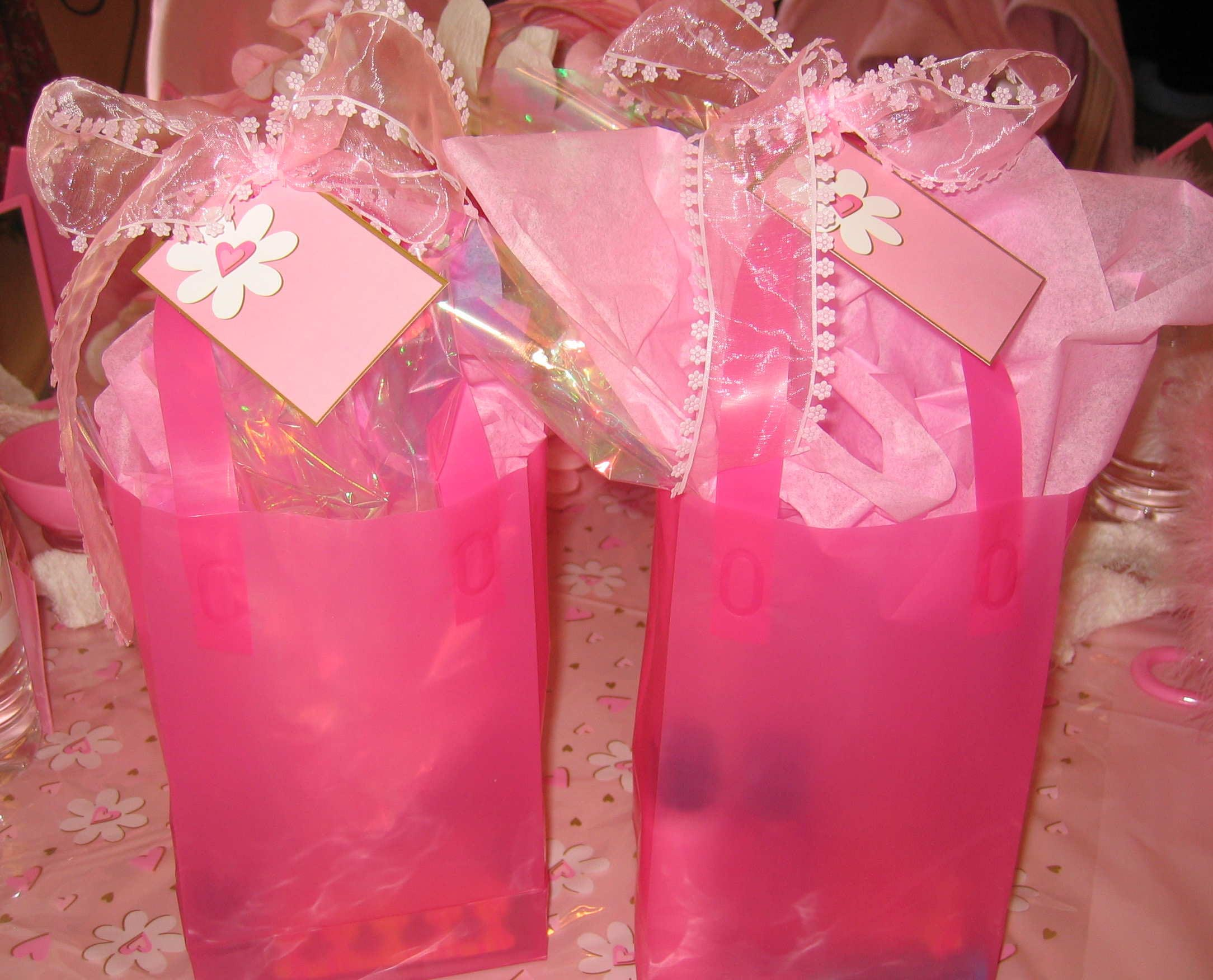 Party favors for spa party home party ideas for Bag decoration ideas