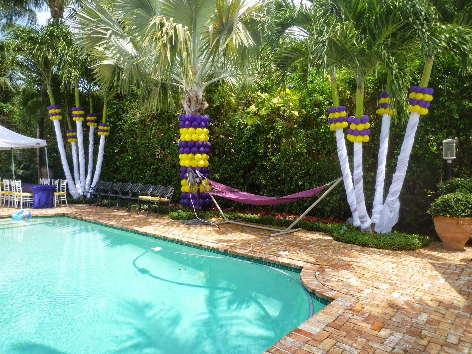Create a perfect pool birthday party for your kids home for Backyard decoration