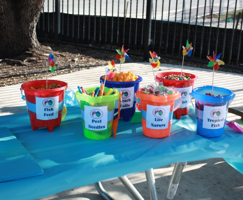 Birthday party home party ideas for Garden pool party ideas