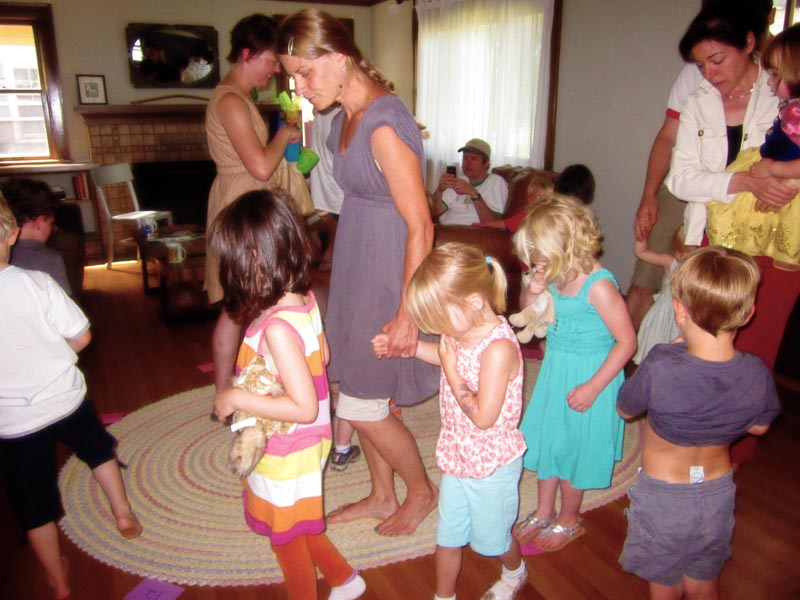Kids party games indoor home party ideas for Indoor party places for kids