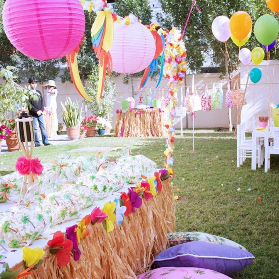 Hawaiian Birthday Party Theme