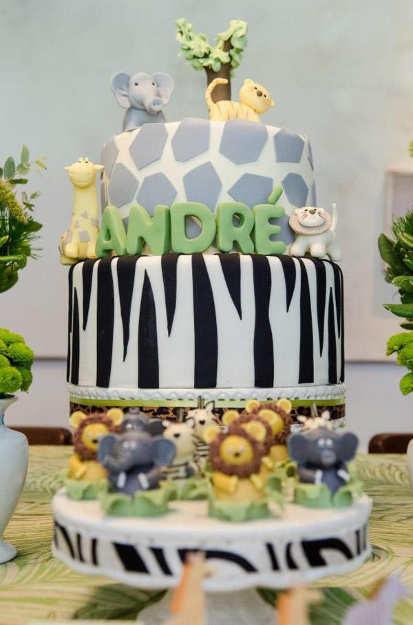 Jungle safari birthday party supplies home party ideas for Baby shower safari decoration