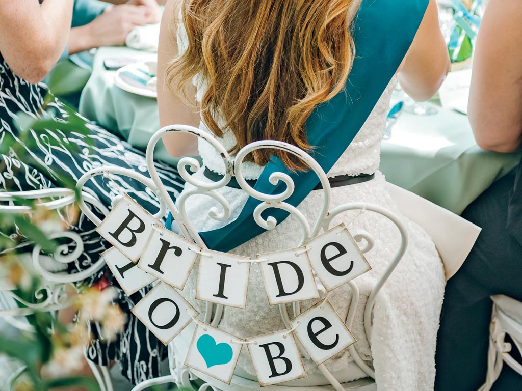 who plans the bridal shower and bachelorette party home party ideas